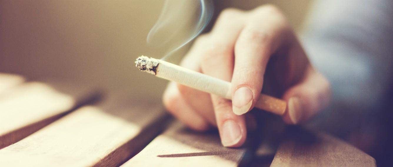 Resultado de imagen de fumando