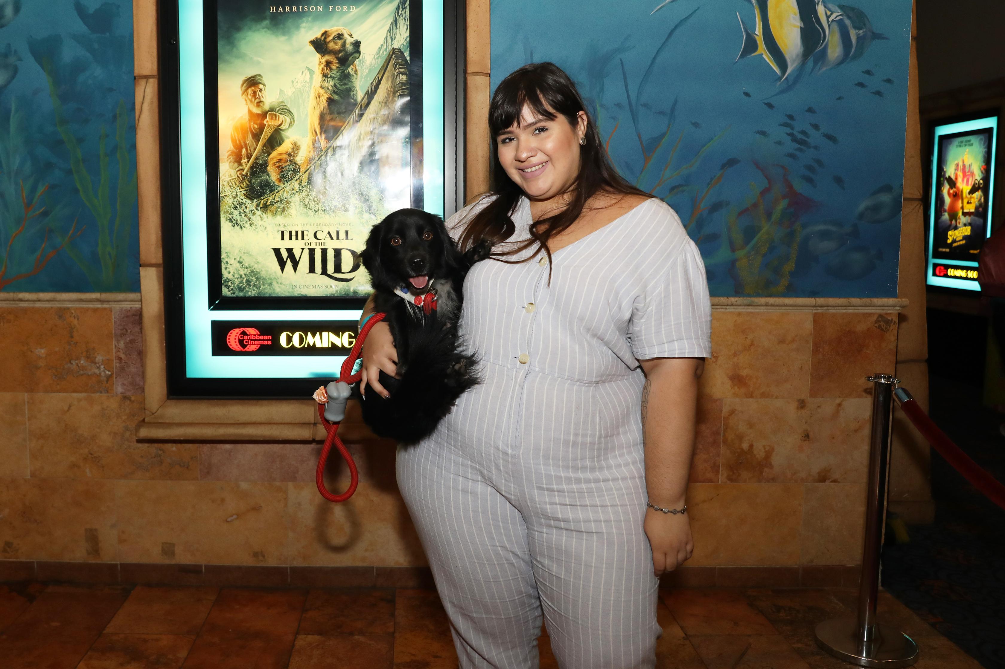 Junto con sus dueños, diversos perros de servicio desfilaron por la alfombra roja del estreno del filme The Call of the Wild. (Suministrada)