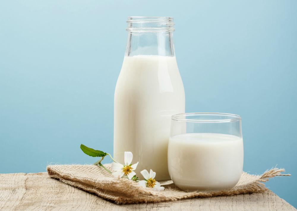 """Lácteos enteros: Se ha relacionado el consumo de grasas """"trans"""" y saturadas con el desarrollo de depresión. La recomendación de los especialistas es elegir lácteos desnatados o bajos en grasa. (Shutterstock)"""