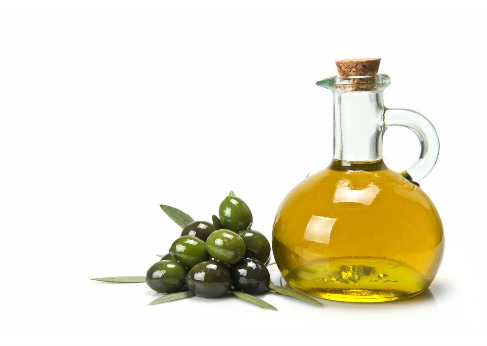 Aceite de oliva extra virgen: El aceite de oliva, por su parte, es rico en ácido oléico y, al igual que el aguacate, nos beneficia en la saciedad.
