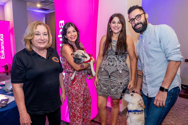 Susan Soltero, Amarilis Reyes con Siri, Evelyn Torres con Nose y Caly Misla. (Suministrada)