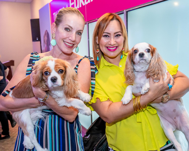 Jocelyn Lamas y Wilnelia Dávila con Olivia y Lima. (Suministada)