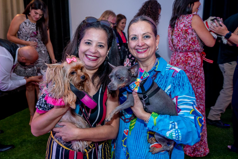 Brenda Vázquez con Heaven y Amanda Díaz con Banfi. (Suministrada)