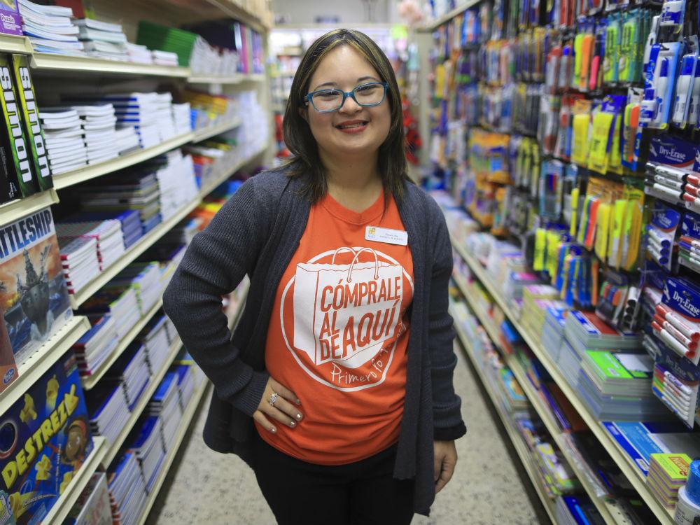 Tamara Díaz Colón es parte de los 17 jóvenes adultos con Síndrome Down que la Fundación de Síndrome Down logra ubicar cada año en diferentes puestos de trabajo. (teresa.canino@gfrmedia.com)