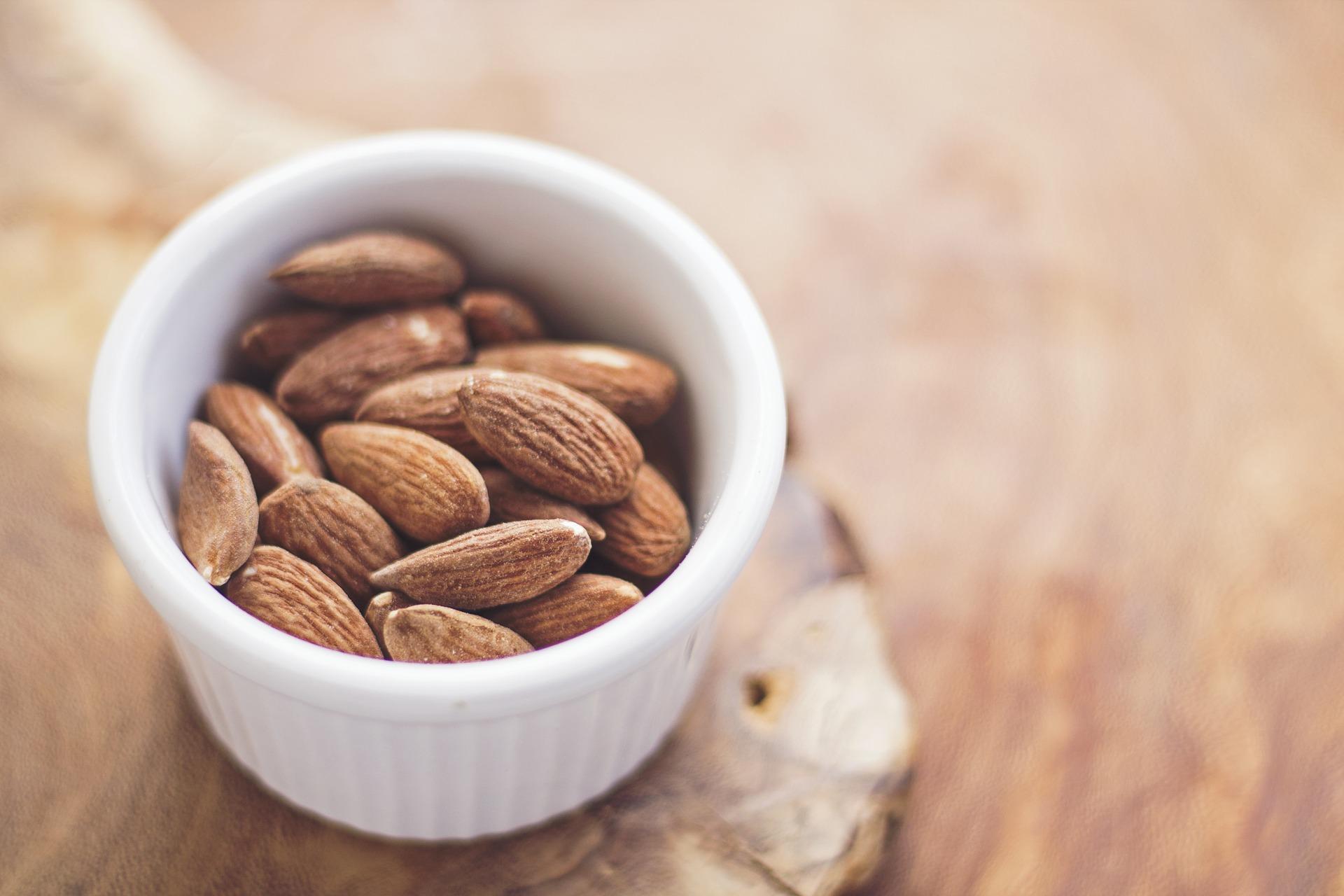 Las nueces son un alimento permitido en la dieta FODMAP. (Free-Photos / Pixabay)