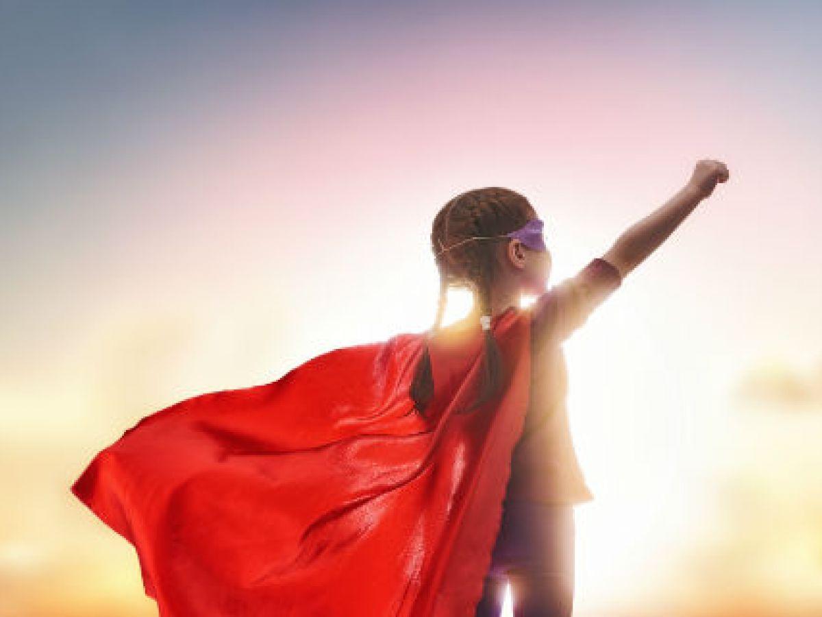 5 factores clave para convertir a tu hija en una mujer fuerte y determinada