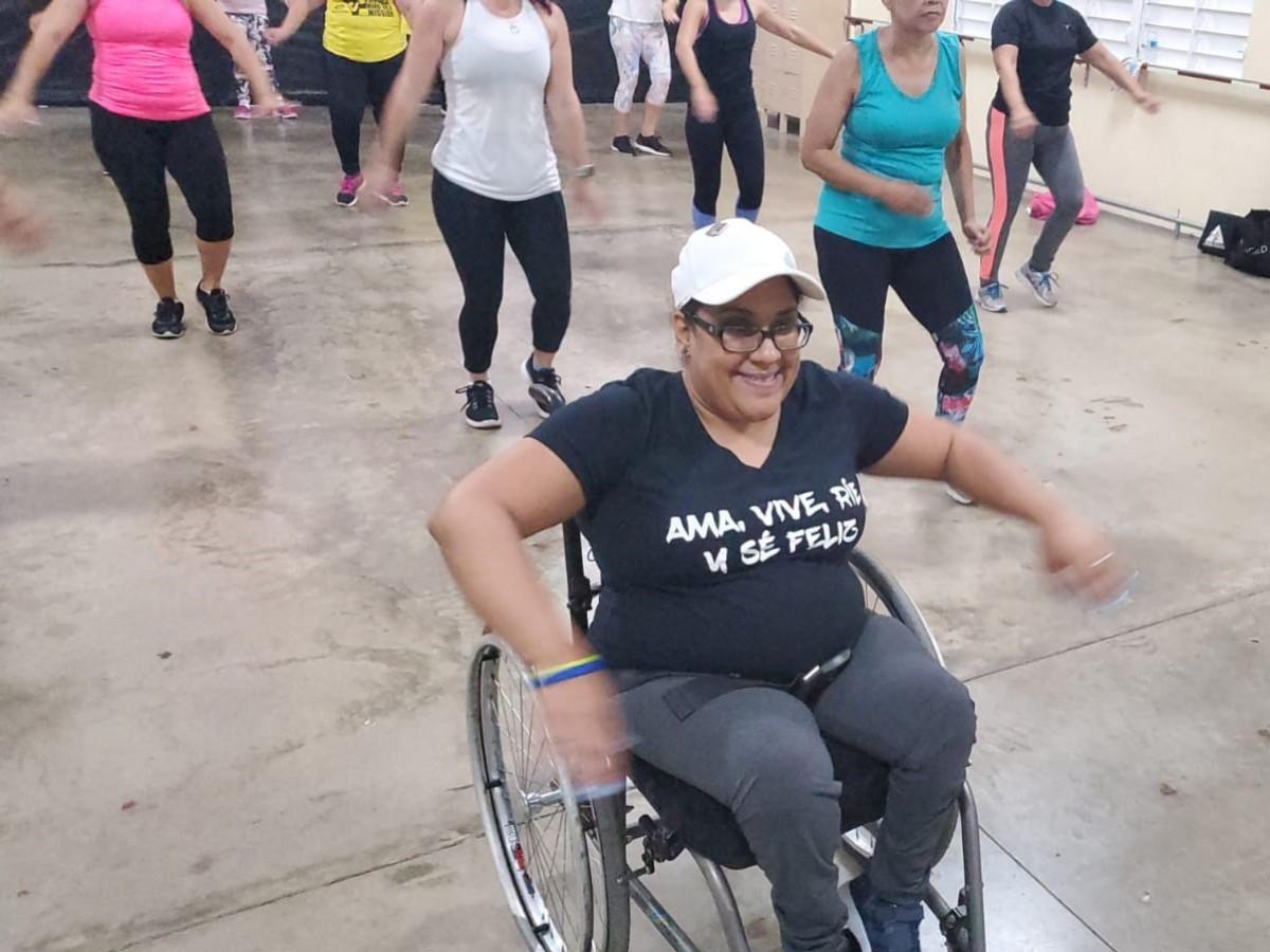 Conoce a la única instructora certificada en Zumba en silla de ruedas activa en Puerto Rico