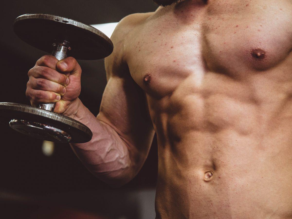 Hacer abdominales: ¿la solución para bajar la barriga?