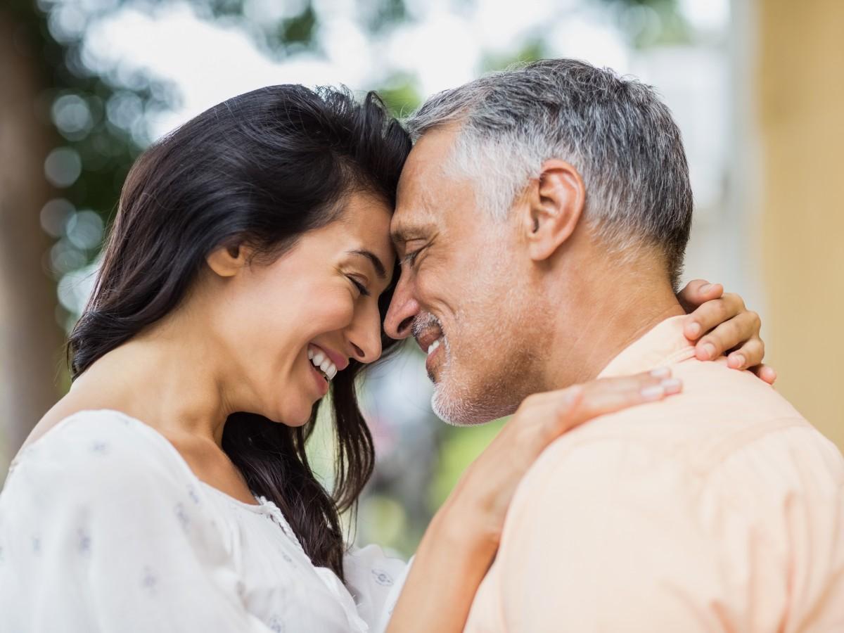 ¿Qué síntomas pueden causar una próstata agrandada?