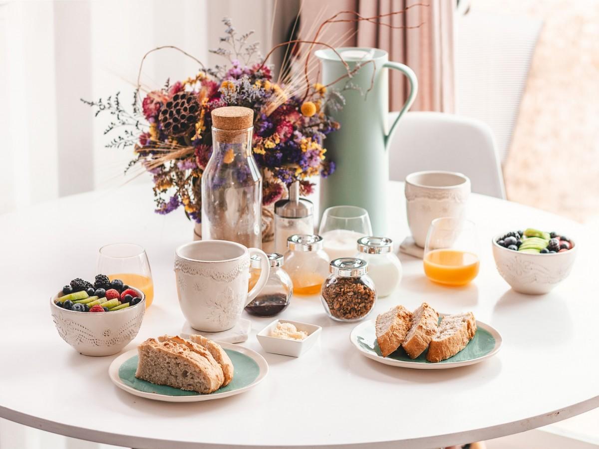 Conoce los alimentos que debes evitar en el desayuno