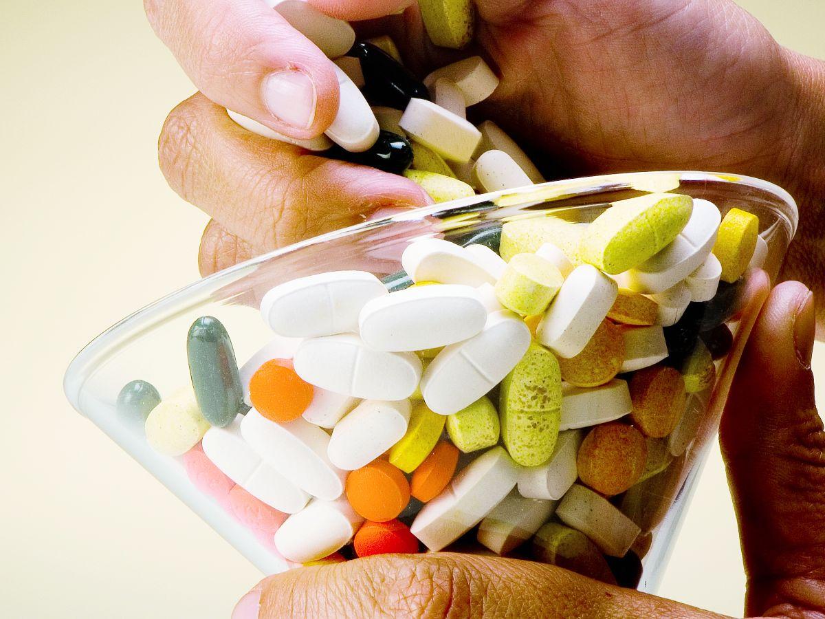 Médico explica los riesgos de interacción de los ansiolíticos con otros medicamentos y suplementos