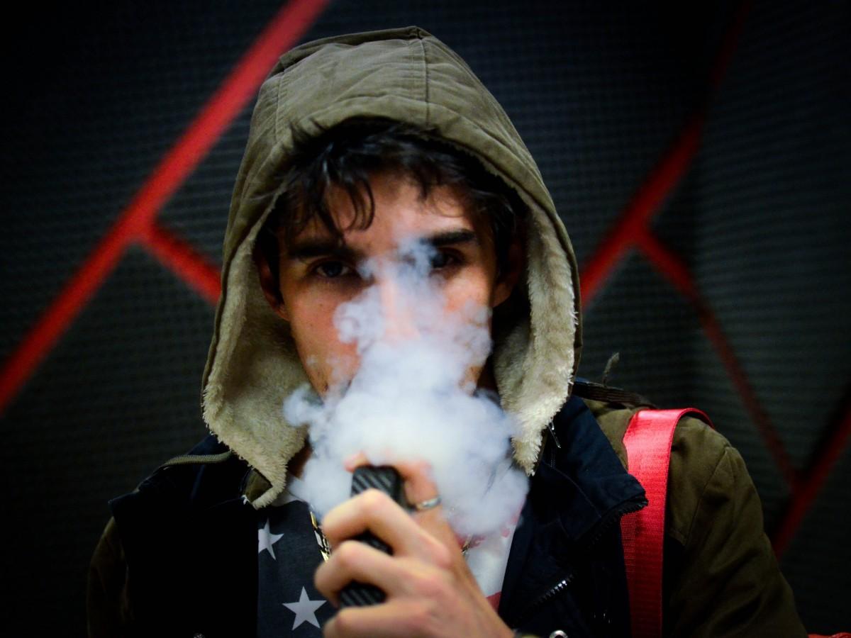 Estados Unidos registra el posible primer caso de muerte asociada al uso de cigarrillos electrónicos