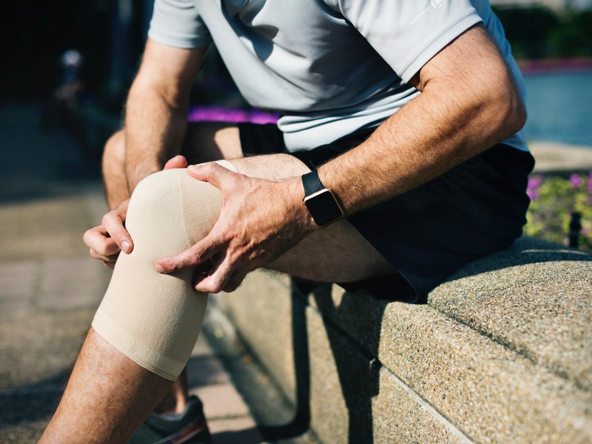 Qué alimentos ayudan a deshinchar las rodillas