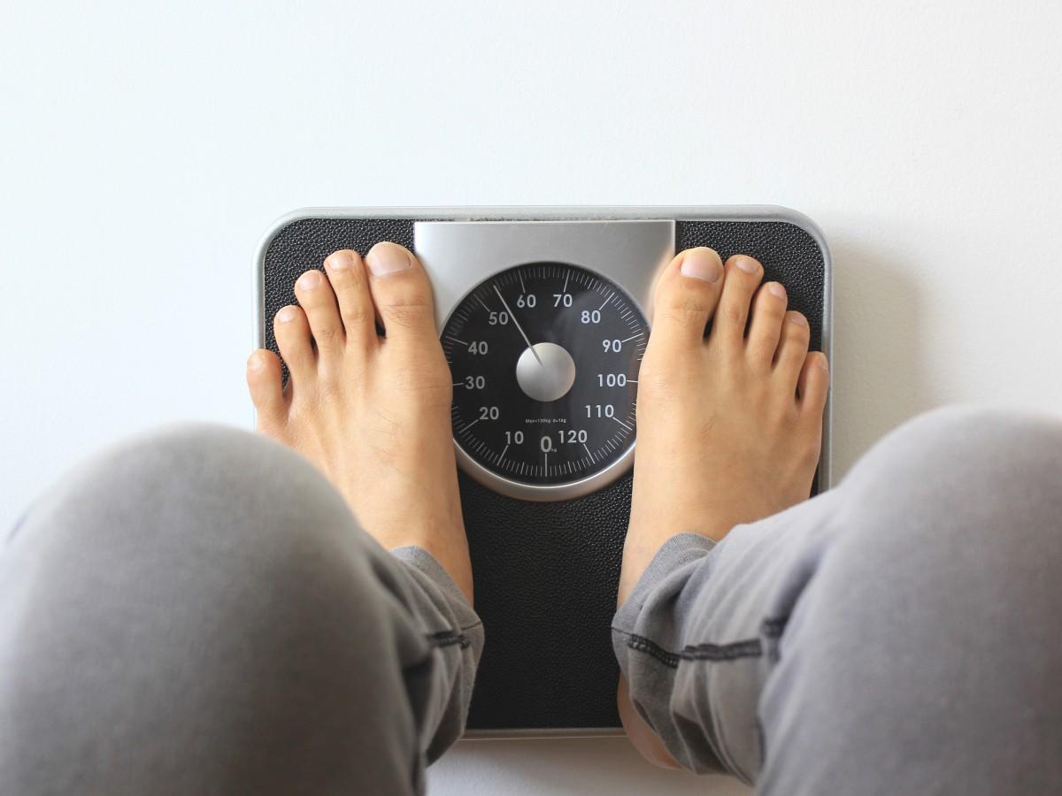 Los jóvenes con sobrepeso tienen más riesgo de sufrir del corazón en la adultez