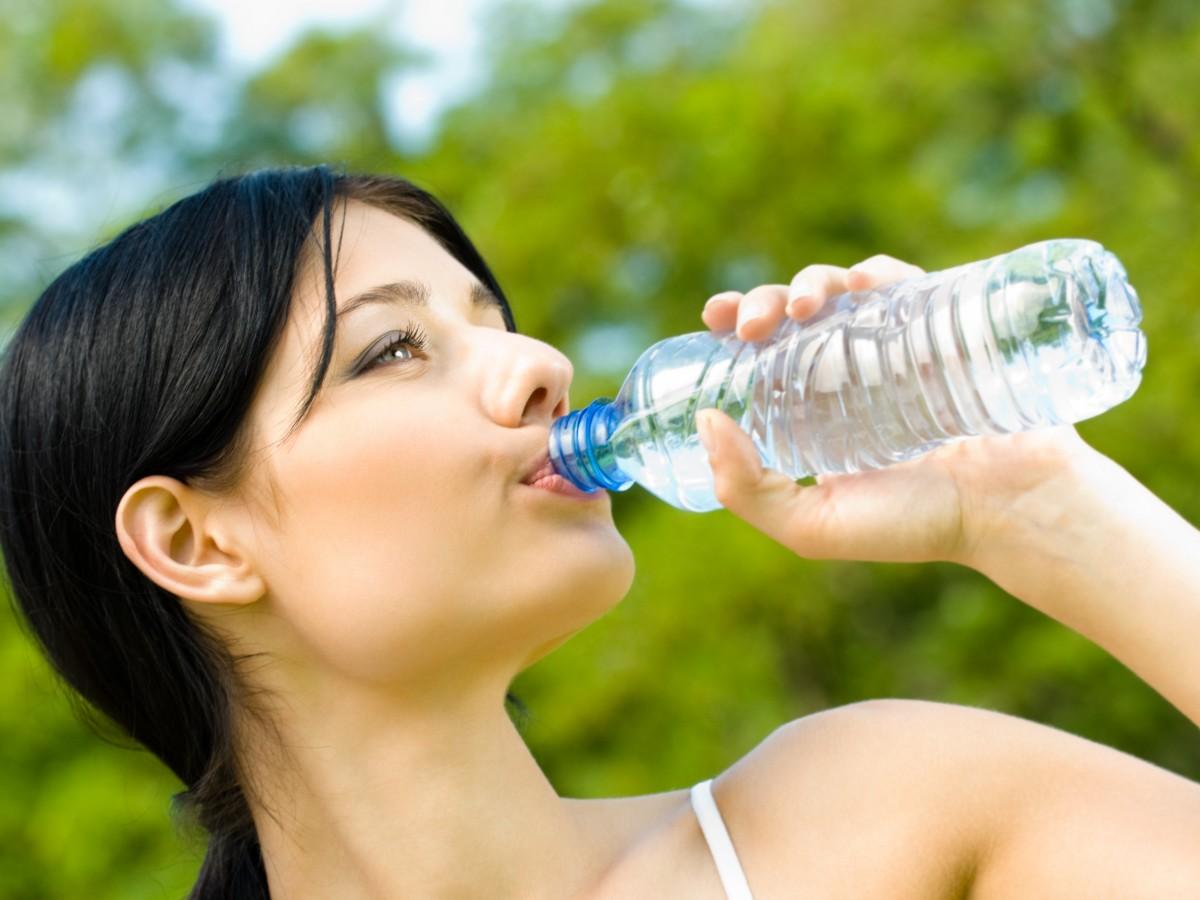 Hidratarse es clave para que el ejercicio aporte buenos resultados a corto plazo