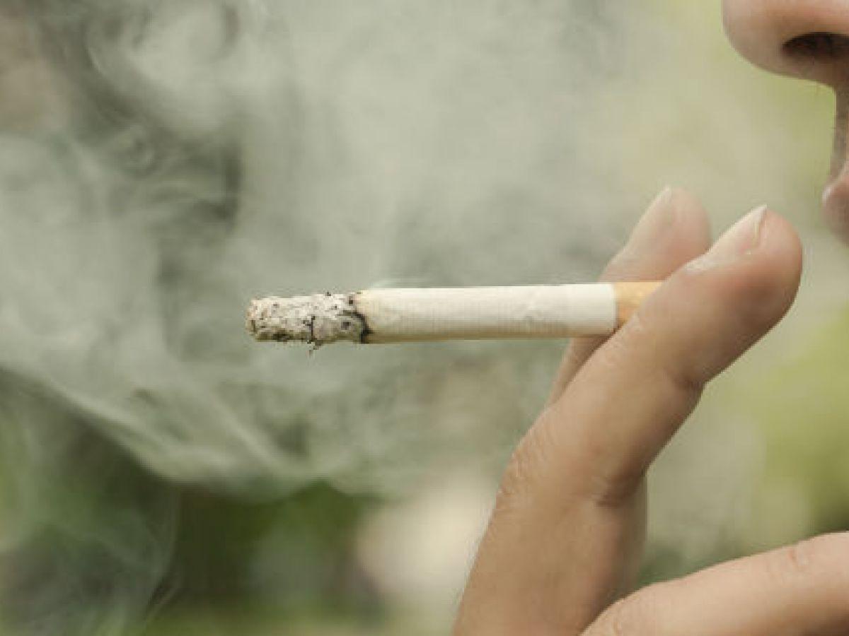 Buscan alternativas para dejar el cigarro tradicional