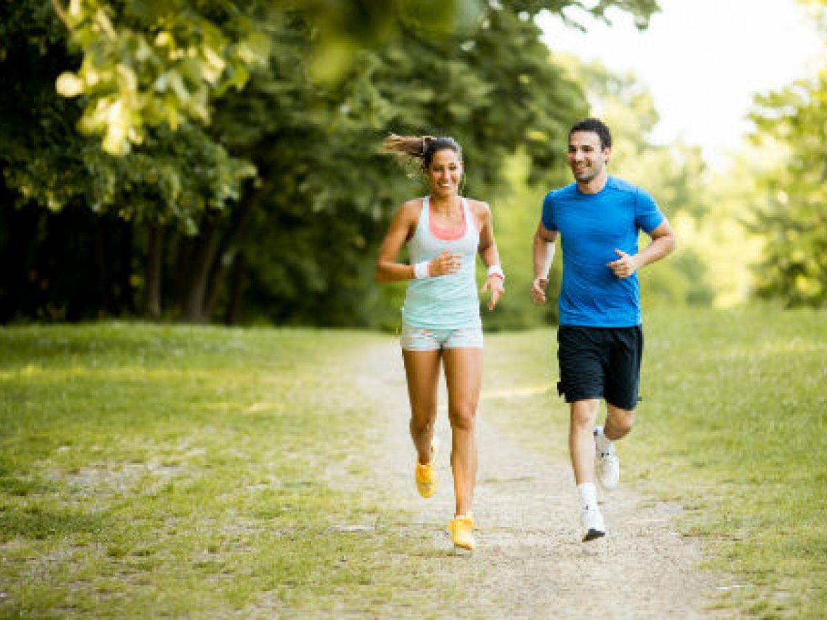 ¿Qué comer antes, durante y después de correr?
