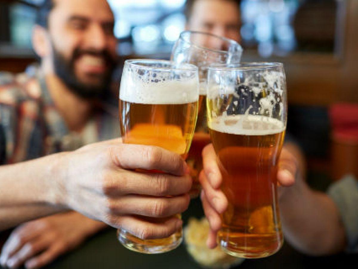 Más de 10 cervezas a la semana acortan la vida