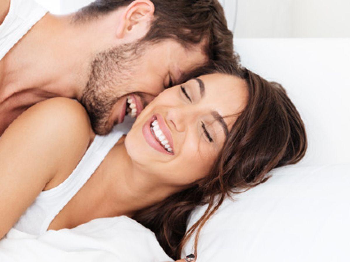 Los beneficios de tener sexo en la mañana