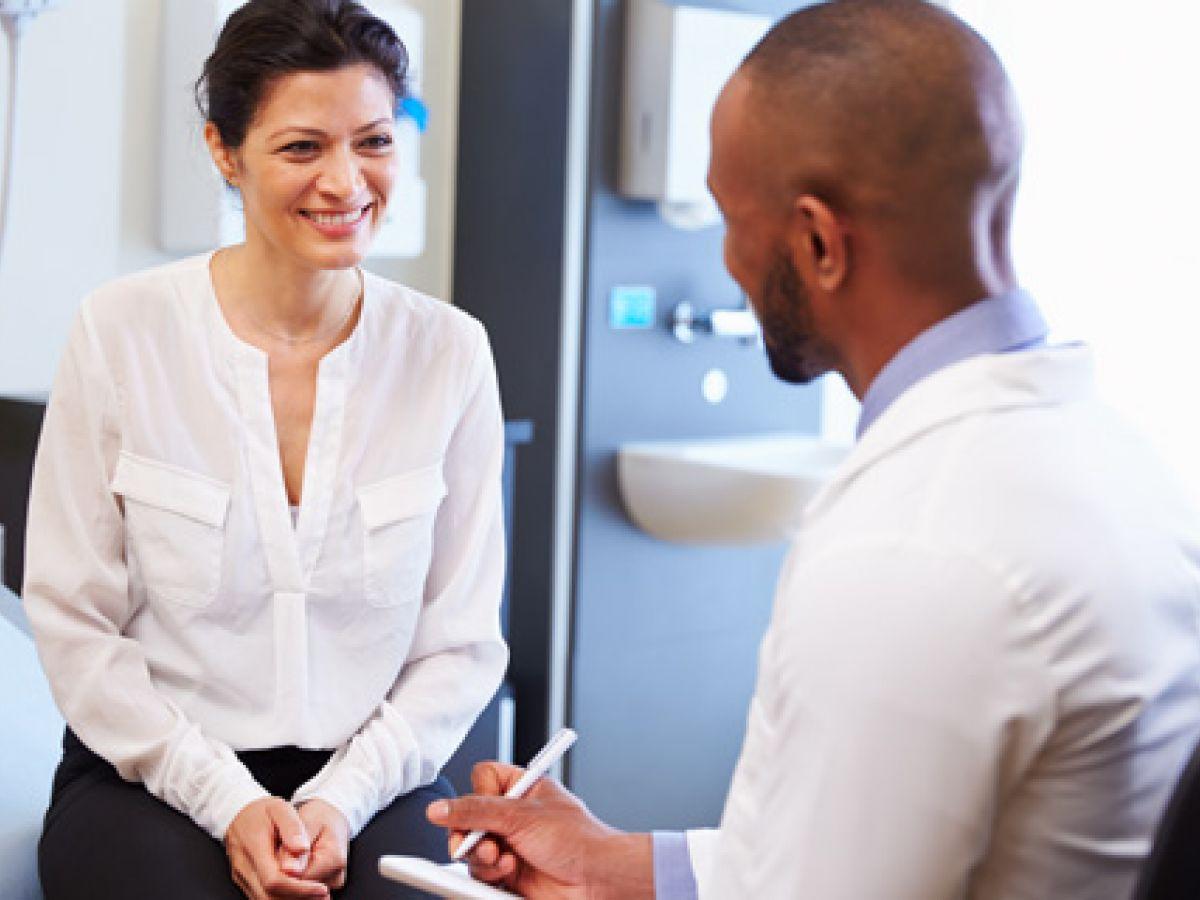 Recomiendan revisión de cáncer de colon a los 45, no a los 50 años