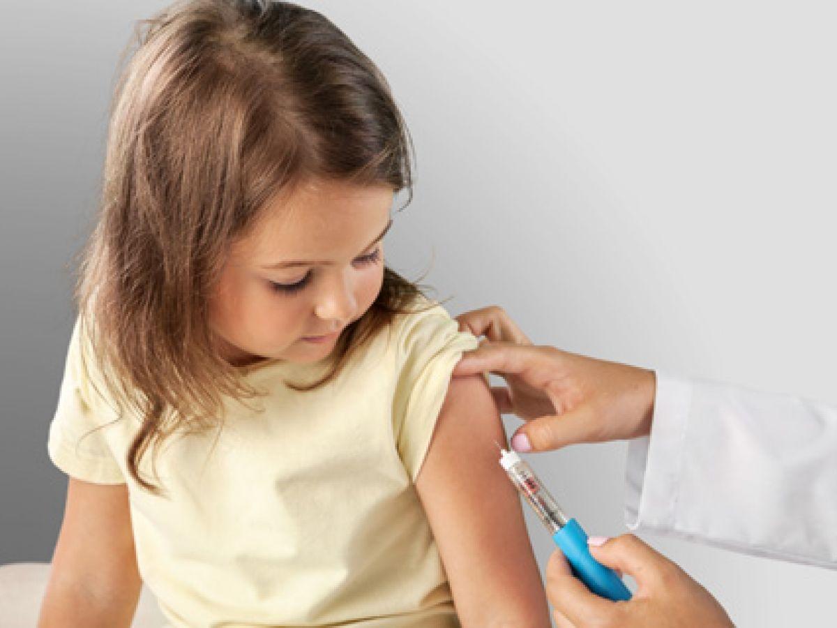 Salud exhorta a comenzar anticipadamente el proceso de vacunación para el próximo año escolar