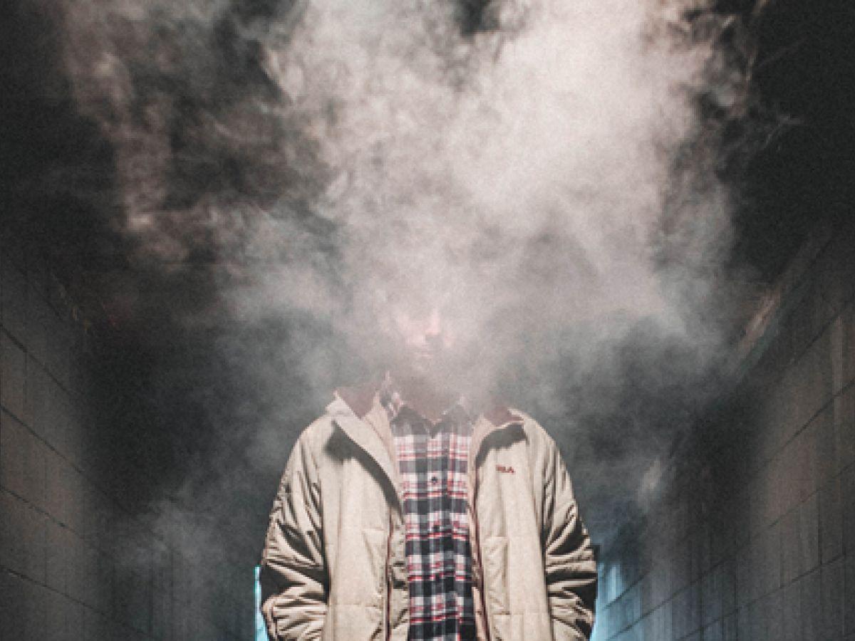 Advierten sobre los riesgos de los cigarrillos electrónicos populares entre los jóvenes