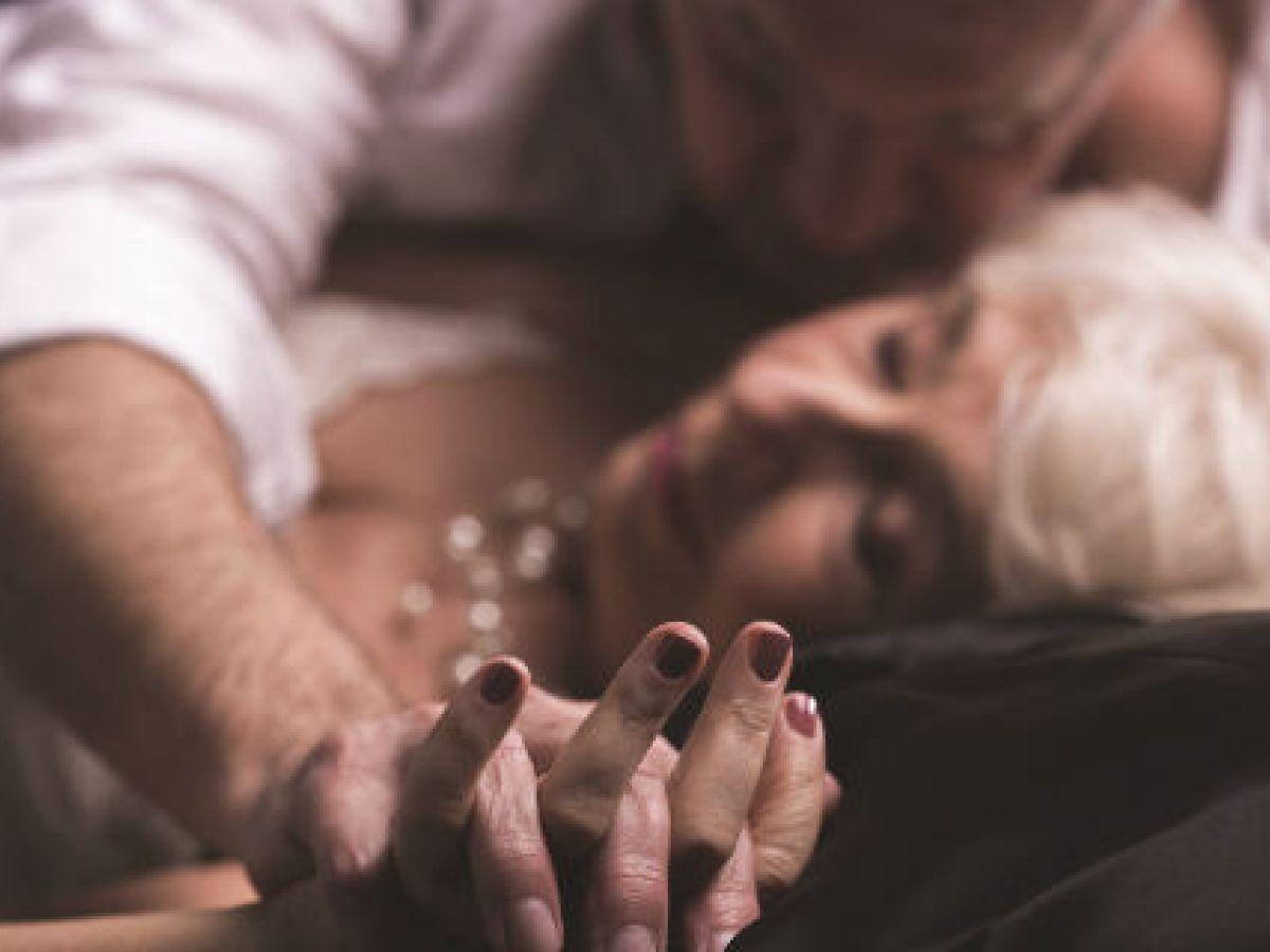 Algunas posturas para disfrutar del sexo al llegar a la tercera edad