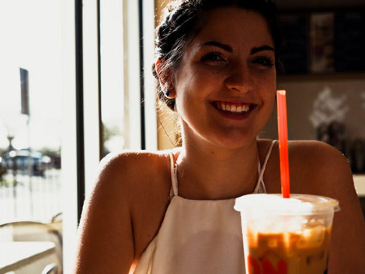 Detectan más riesgo de muerte prematura en mujeres que toman bebidas azucaradas
