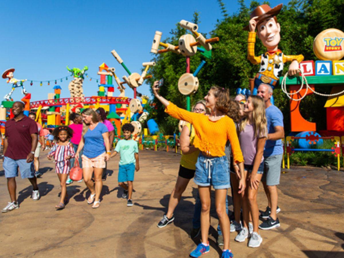 Fumar y vapear estará prohibido en los parques Disney de Orlando y Florida