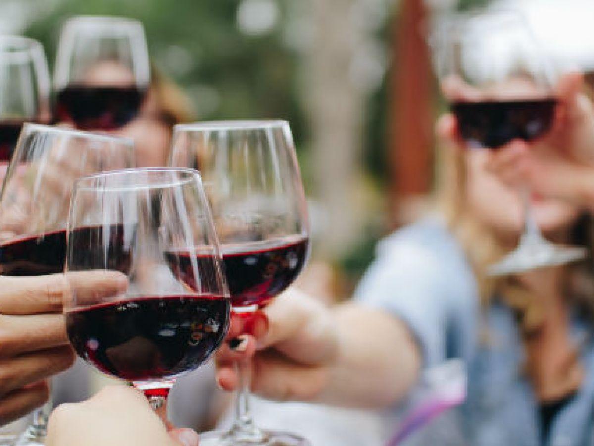 El vino tinto ayuda a cuidar el peso y la salud