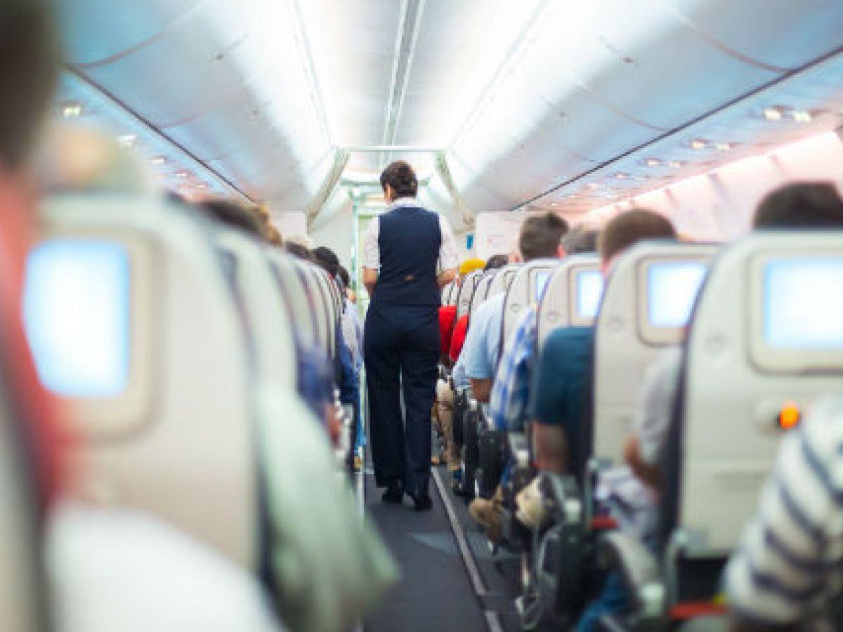 El riesgo de enfermar en un avión depende de dónde se vaya sentado