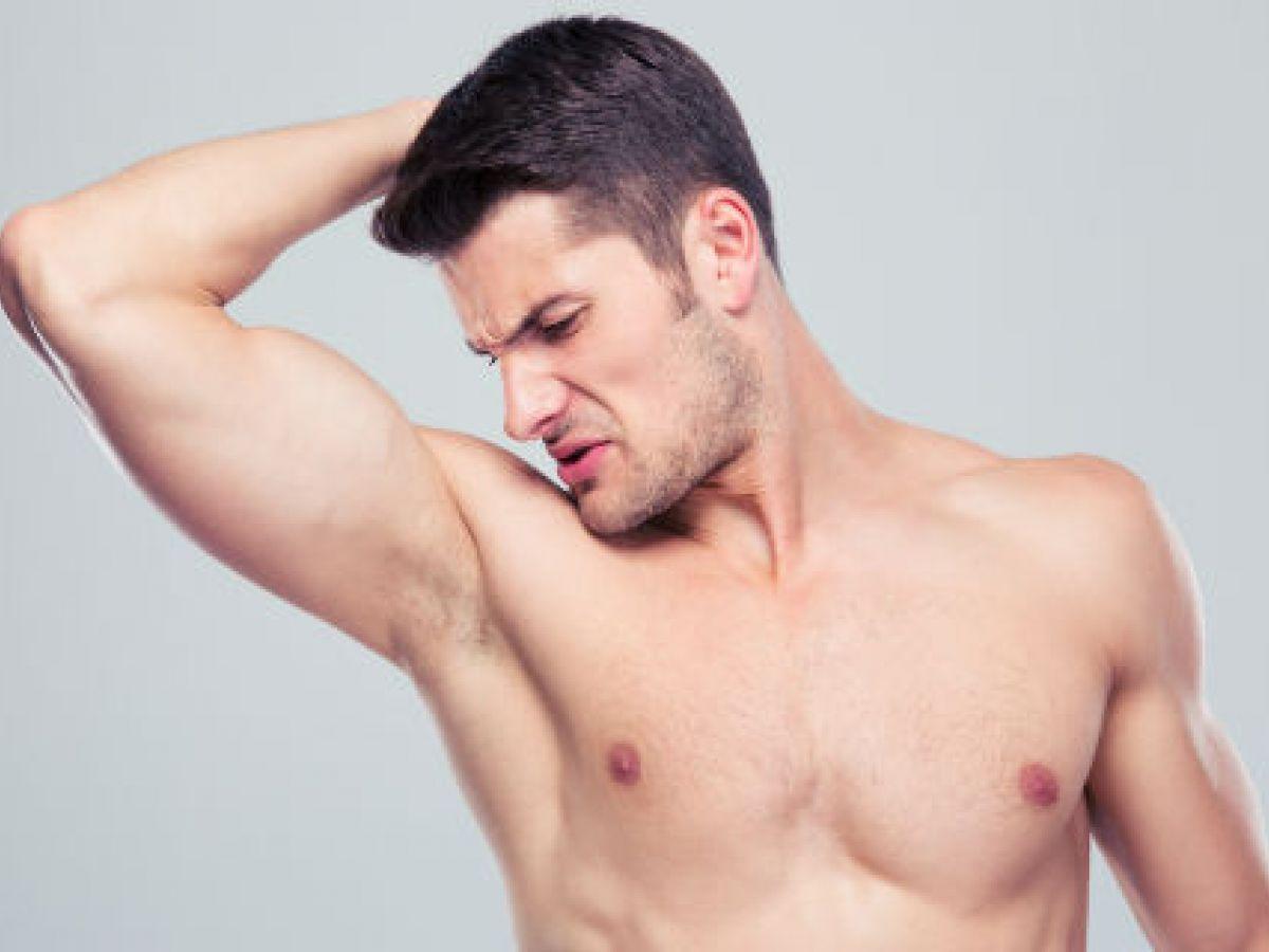 Siete alimentos que causan mal olor corporal