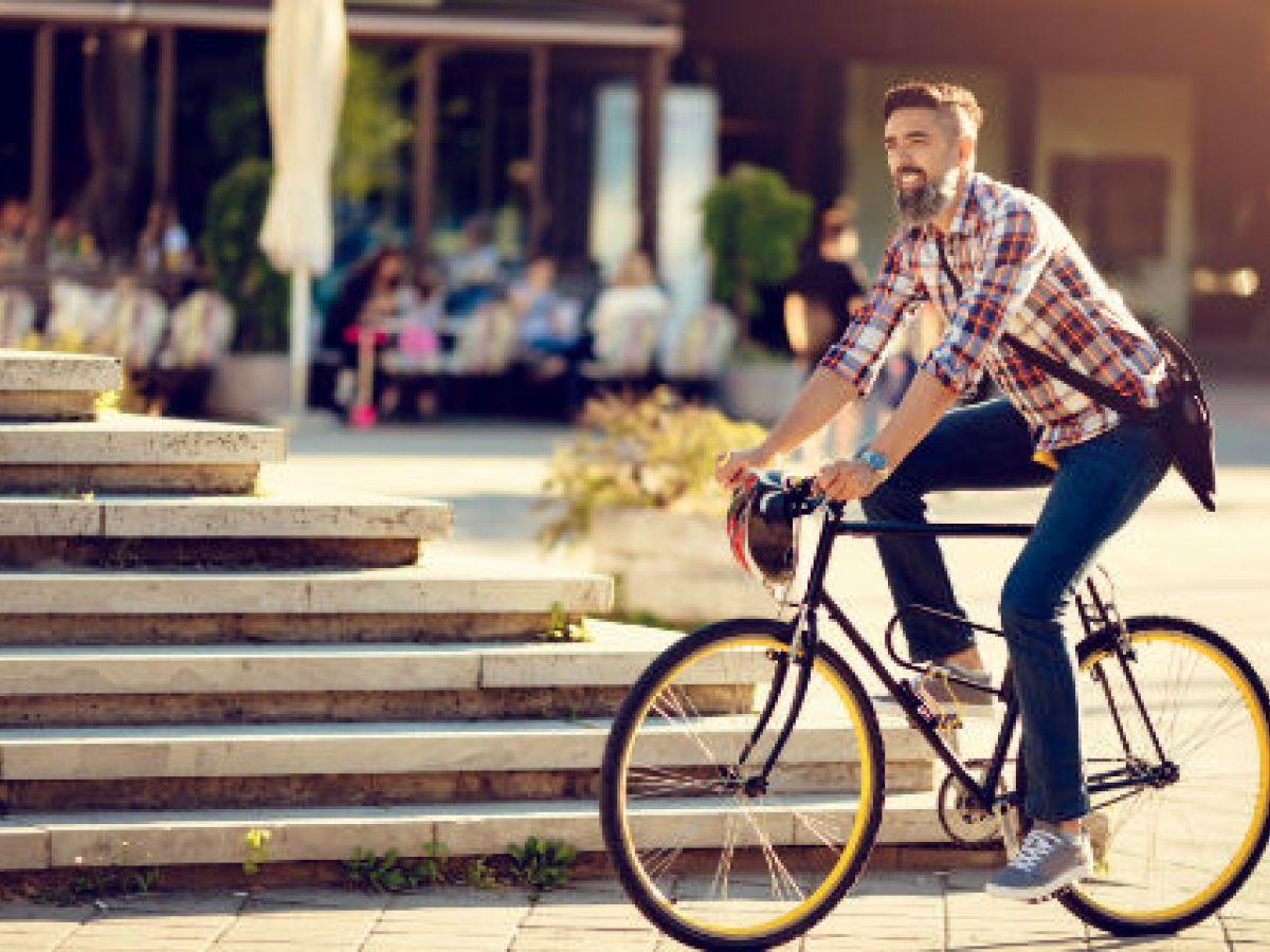 Usar la bicicleta como medio de transporte ayuda a combatir el estrés