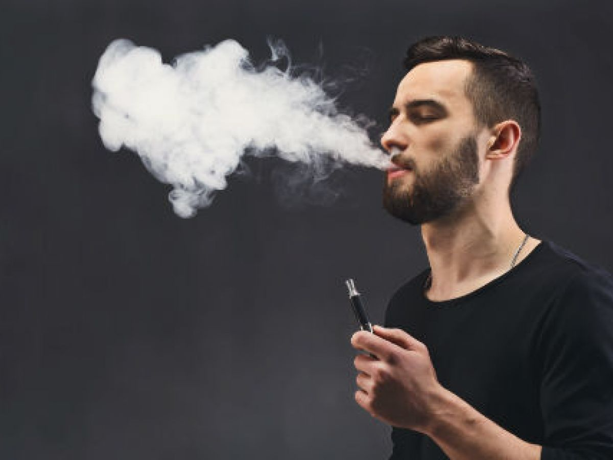 Vinculan los cigarrillos electrónicos con más riesgo de infarto