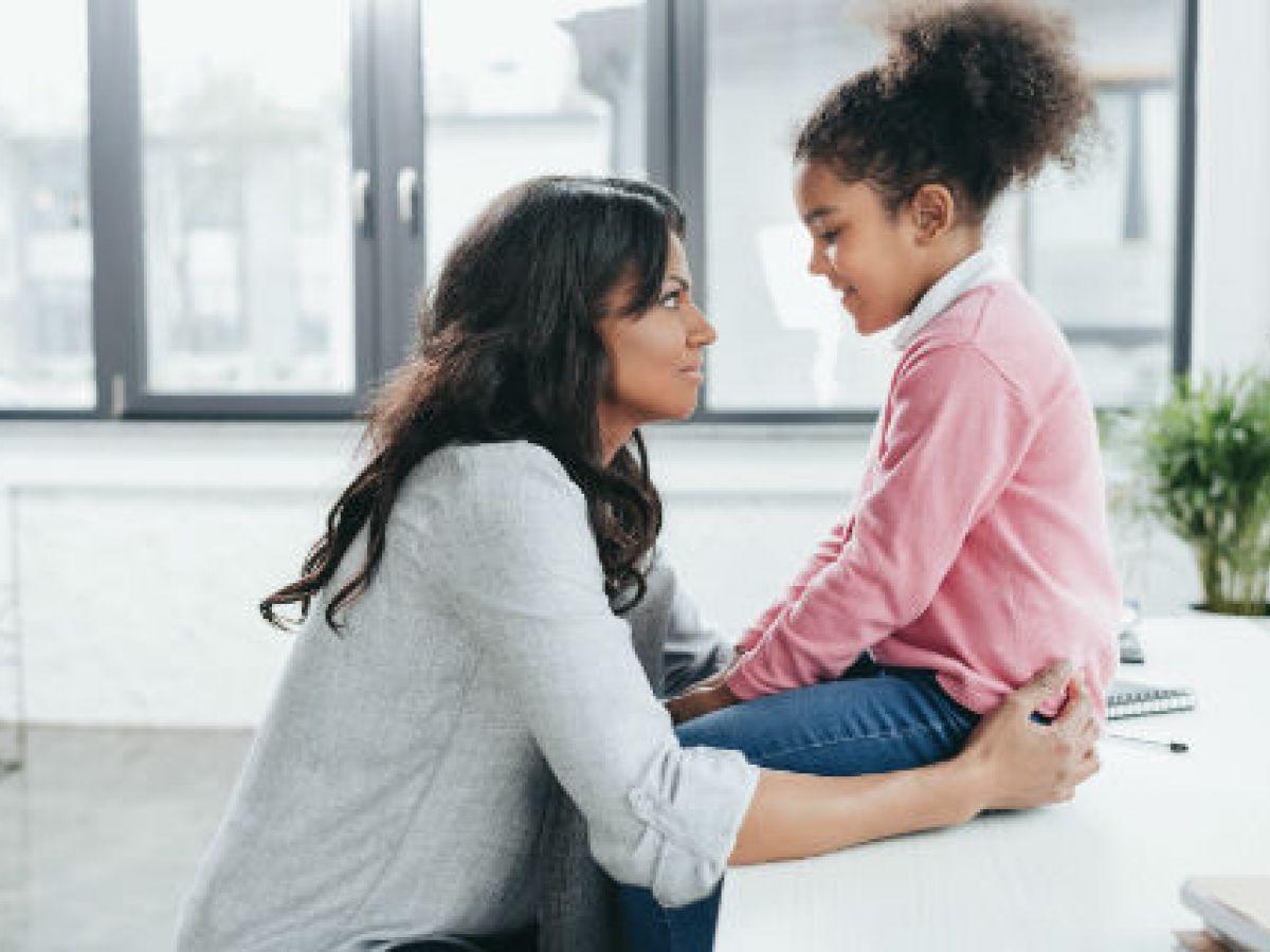 Cinco claves para hablar de temas difíciles con los hijos