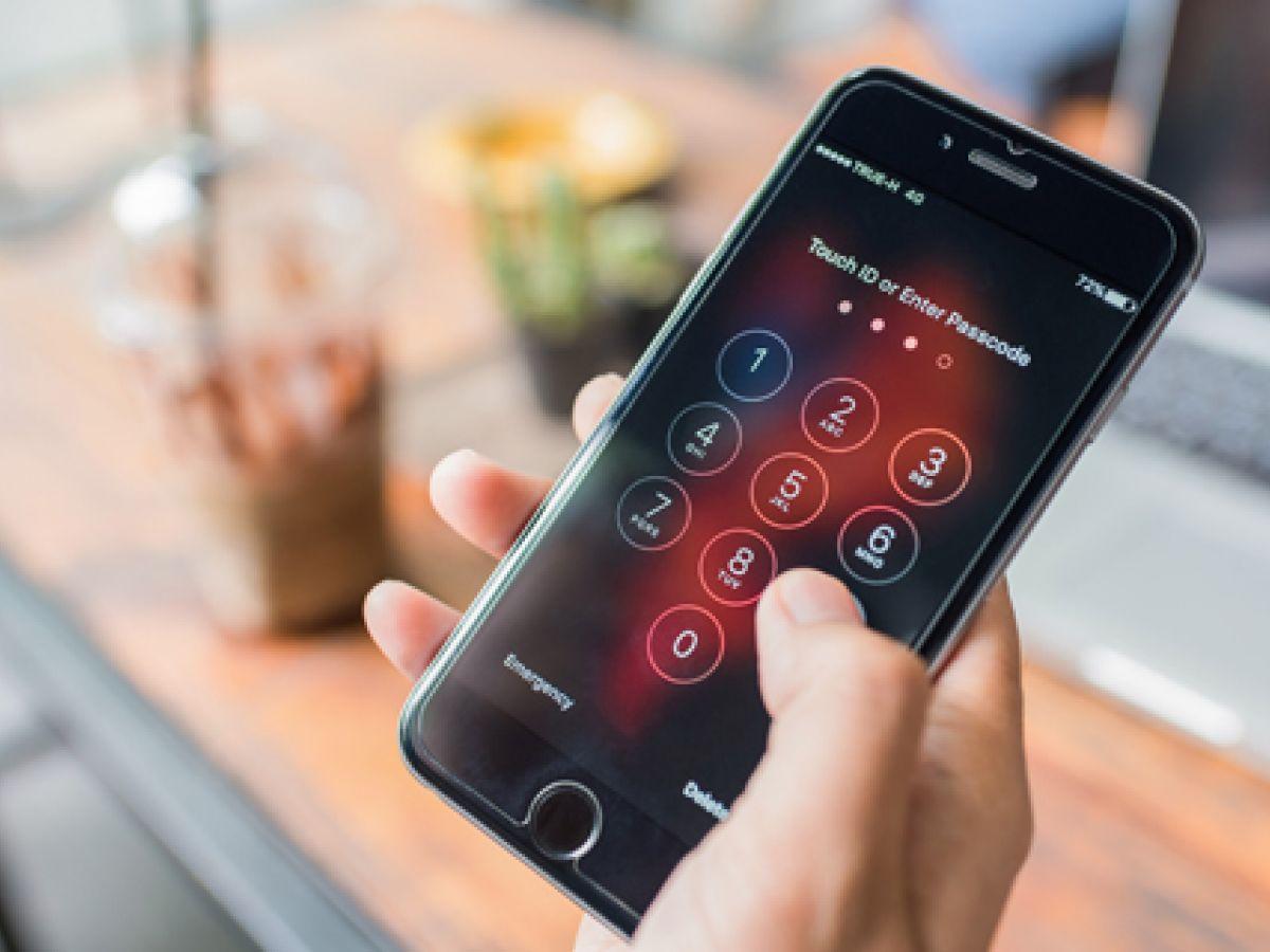 """Conoce los síntomas del """"smartphone thumb"""""""