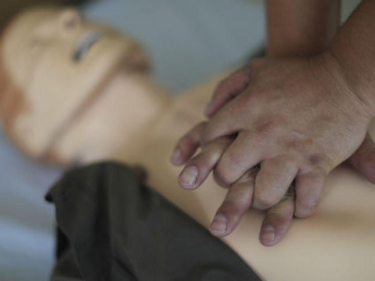 Realizar un masaje cardíaco duplica las posibilidades de supervivencia