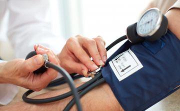 Presión alta por la visita al médico o por vejez