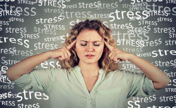 El estrés es tan malo para la salud digestiva como la comida chatarra