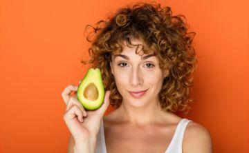 10 alimentos para fortalecer tu pelo y evitar su caída