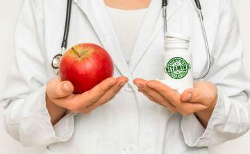 Toma menos vitaminas y come más verduras