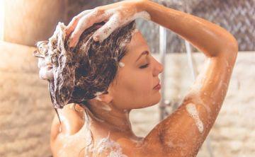 10 tips para darte cuenta si te estás bañando demasiado seguido