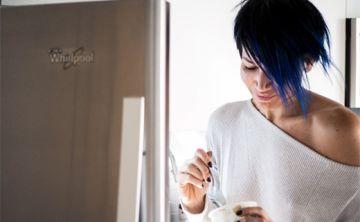 ¿Por qué levantarte a comer de madrugada es peligroso?