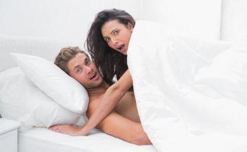 ¿Qué hacer si sus hijos lo 'pillan' teniendo sexo?
