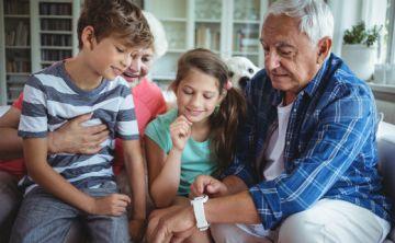 Buen vínculo con los abuelos reduce los prejuicios hacia los adultos mayores