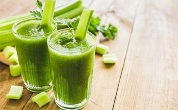 Beber jugo de apio, nueva tendencia nutricional
