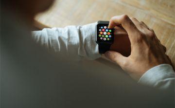Lo que puede (y no puede) hacer el Apple Watch a favor de su corazón