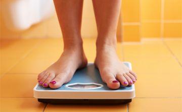Báscula engaña al medir obesidad en adultos mayores