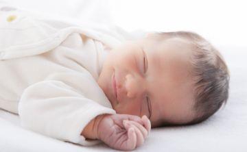 Los bebés duermen más cuando lo hacen en su propio dormitorio