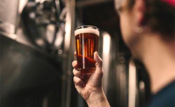 Alcohol afecta memoria durante horas y causa antojos duraderos